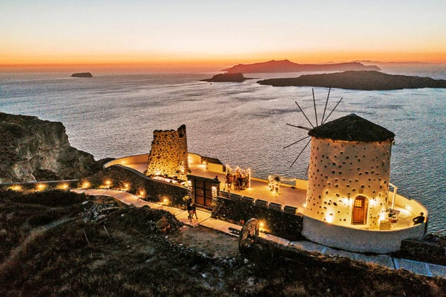 El Viento Santorini Wedding Venue scenery night