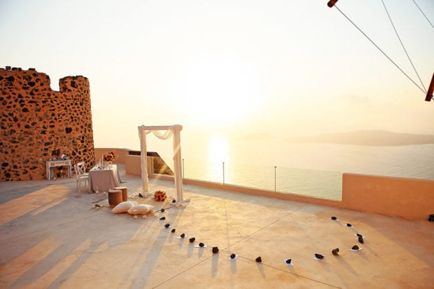 El Viento Santorini Wedding Venue flowers