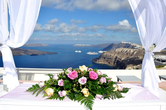 Santorini Gem Wedding Venue centerpiece
