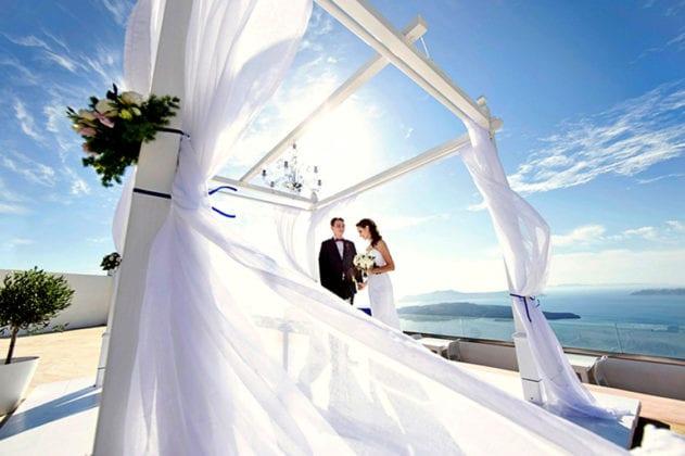 Santorini Gem Wedding Venue couple
