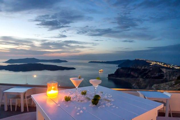 Santorini Gem Wedding Venue candle