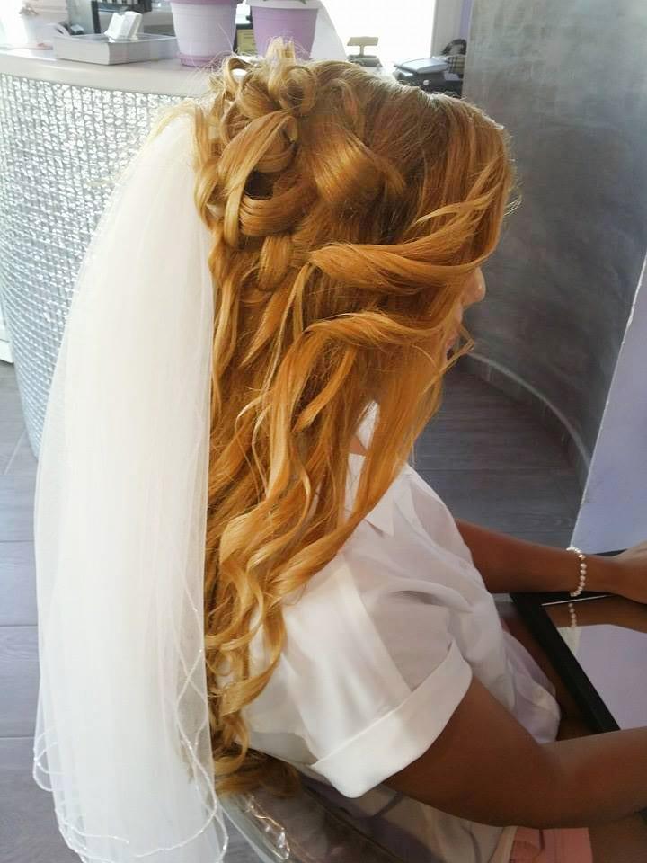 Santorini Wedding Bridal Hair Style 18