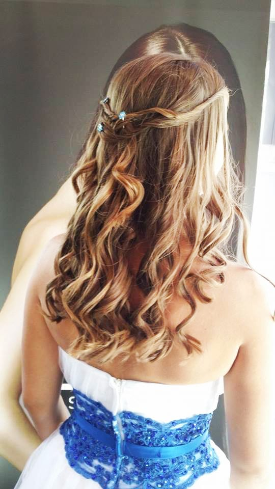 Santorini Wedding Bridal Hair Style 19